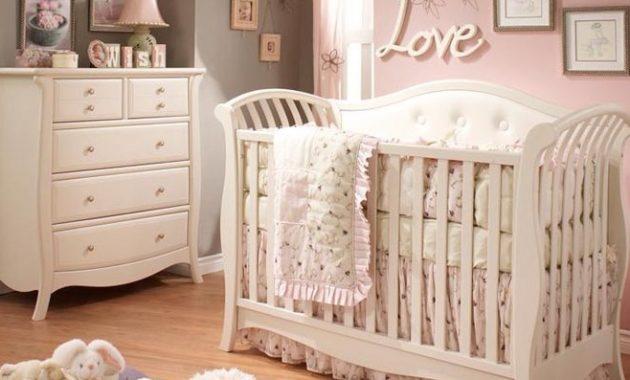 Set Tempat Tidur bayi Perempuan Jok Putih