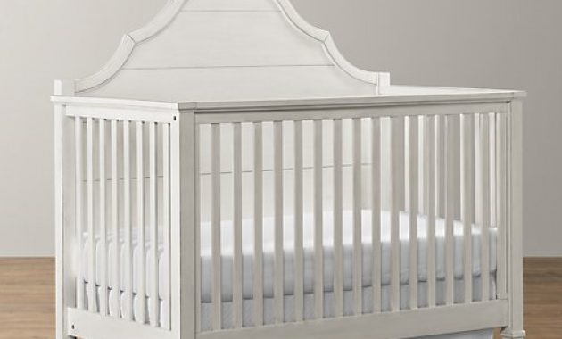 Tempat Tidur Bayi Warna Putih Simpel
