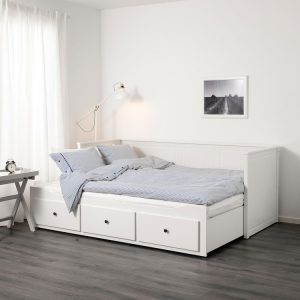 Daybed Minimalis White Duco, Daybed Informa, Daybed Ikea, Daybed Kayu, Daybed Sofa, Daybed Besi, Daybed Kayu Jati, Sofa Bed Informa, Sofa Bed Minimalis, Sofa Bed Murah, Sofa Bed Karakter, Sofa Bed Multifungsi, Jual Daybed, Jual Sofa Bed,
